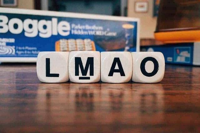 Có nhiều thuật ngữ khác được sử dụng trong game